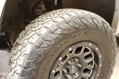 galeria-kdms-onroad-4x4-camioneta-llantas-detalle-neumatico